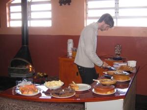 O Dé mandando ver no café-da-manhã colonial da pousada!! Café da manhã bom nos representa! :)