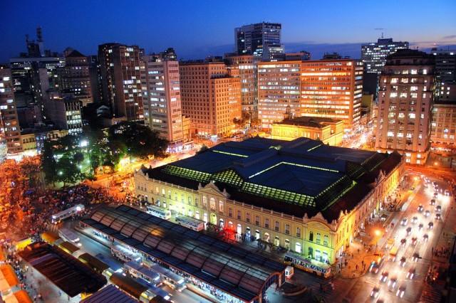 Mercado Público de Porto Alegre e sua estação de ônibus