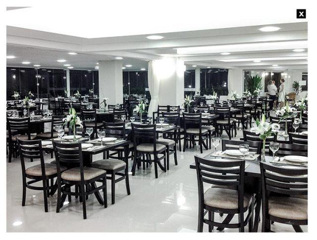 O restaurante tem capacidade para até 300 pessoas
