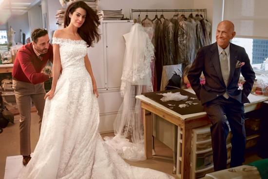 Além de casar com o George Clooney, usa um vestido do Oscar de La Renta, que espia de canto...dorme com um barulho desses! :D
